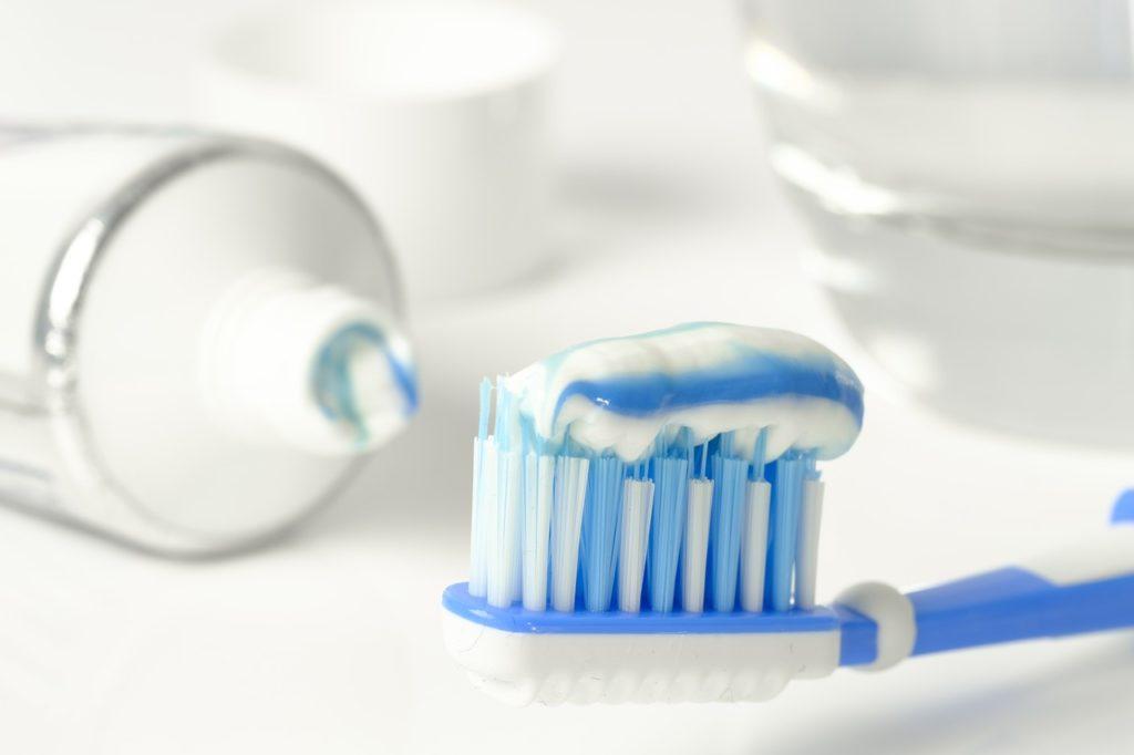 Pasta para limpiar los dientes